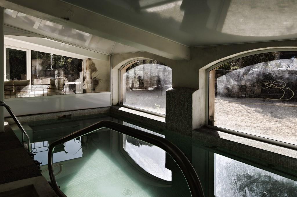 hotel-mas-pont-roman-piscine-interieure-chauffee