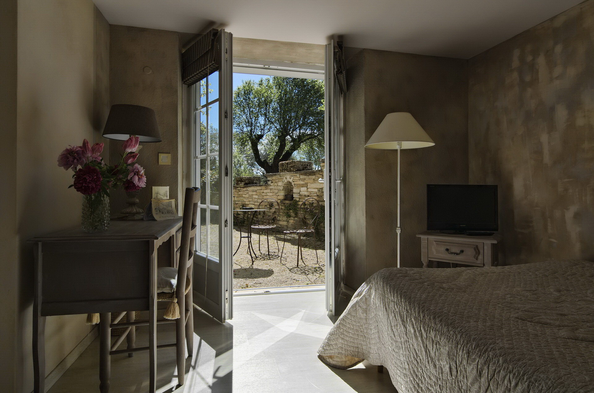 hotel-mas-pont-roman-accueil6