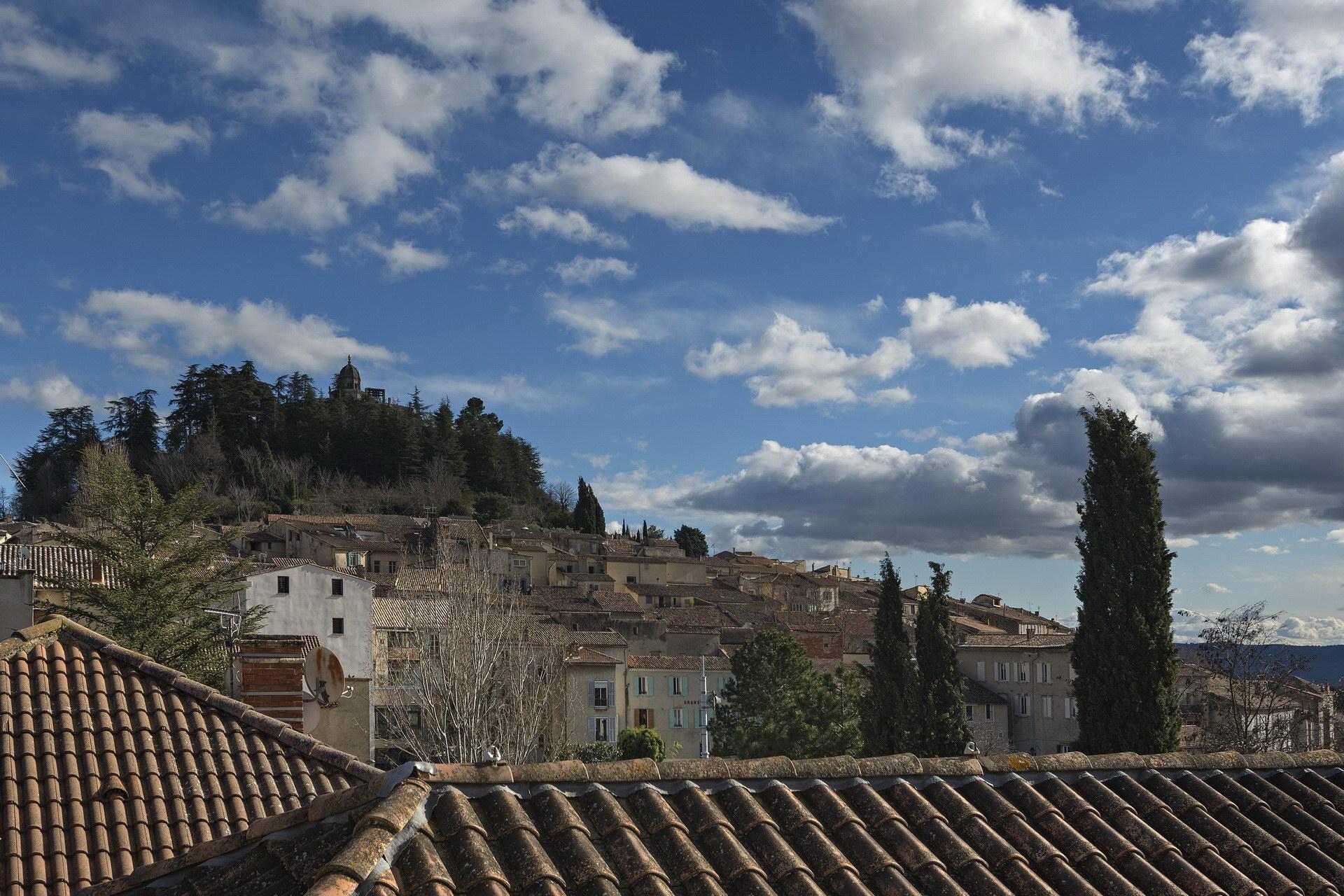 Appartement 4 personnes en location à forcalquier belle vue sur le village