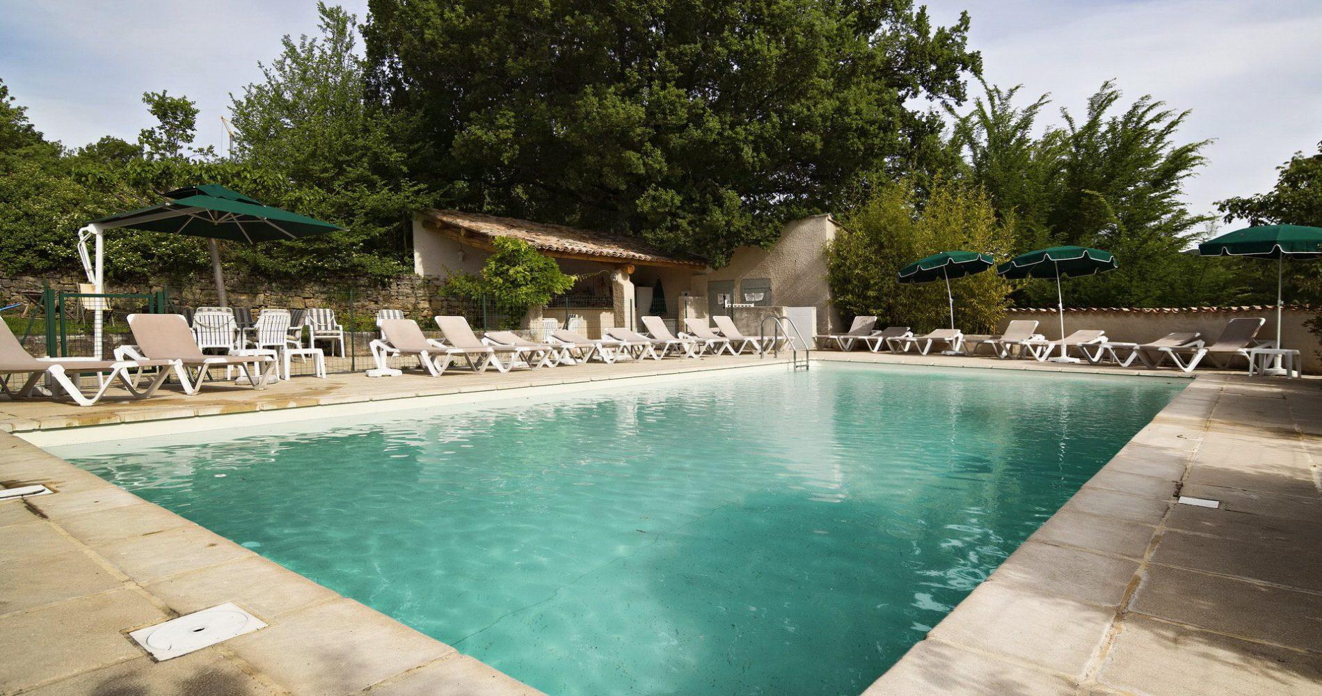 hotel-mas-pont-roman-piscine